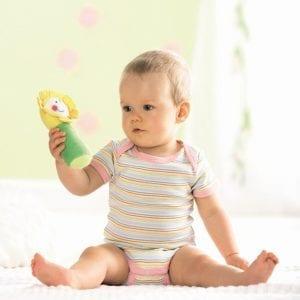 Baby met Rammelino - Bloemabelle | Zussb